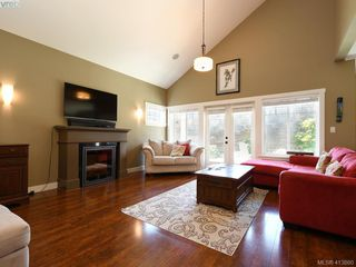 Photo 2: 1215 Clearwater Pl in VICTORIA: La Westhills Single Family Detached for sale (Langford)  : MLS®# 820809