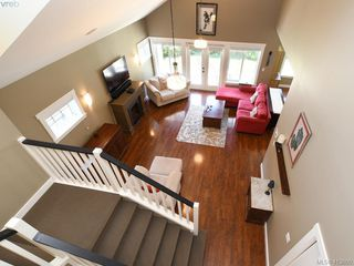 Photo 5: 1215 Clearwater Pl in VICTORIA: La Westhills Single Family Detached for sale (Langford)  : MLS®# 820809