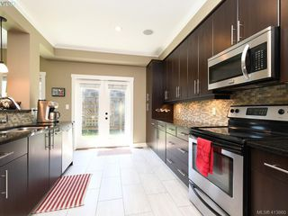 Photo 9: 1215 Clearwater Pl in VICTORIA: La Westhills Single Family Detached for sale (Langford)  : MLS®# 820809