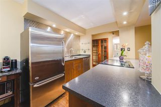 """Photo 10: 104 1435 NELSON Street in Vancouver: West End VW Condo for sale in """"The Westport"""" (Vancouver West)  : MLS®# R2412378"""
