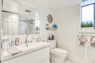 Photo 4: 2142 E 49TH Avenue in Vancouver: Killarney VE House for sale (Vancouver East)  : MLS®# R2419645