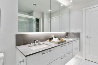 """Photo 15: 311 118 CARRIE CATES Court in North Vancouver: Lower Lonsdale Condo for sale in """"PROMENADE AT THE QUAY"""" : MLS®# R2425435"""