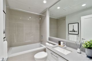 """Photo 17: 311 118 CARRIE CATES Court in North Vancouver: Lower Lonsdale Condo for sale in """"PROMENADE AT THE QUAY"""" : MLS®# R2425435"""