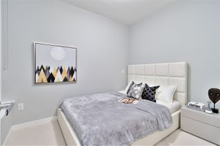 """Photo 16: 311 118 CARRIE CATES Court in North Vancouver: Lower Lonsdale Condo for sale in """"PROMENADE AT THE QUAY"""" : MLS®# R2425435"""
