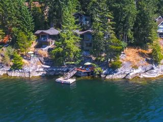Photo 3: 6067 CORACLE DRIVE in Sechelt: Sechelt District House for sale (Sunshine Coast)  : MLS®# R2434959