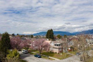 "Photo 7: 2504 NAPIER Street in Vancouver: Renfrew VE House for sale in ""RENFREW"" (Vancouver East)  : MLS®# R2449289"