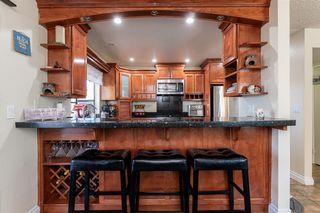 Photo 10: RANCHO PENASQUITOS House for sale : 4 bedrooms : 13288 Entreken in San Diego