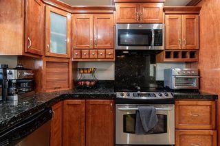 Photo 9: RANCHO PENASQUITOS House for sale : 4 bedrooms : 13288 Entreken in San Diego