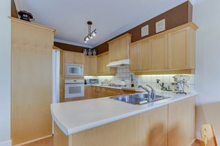 Photo 9: 94 5900 FERRY Road in Delta: Neilsen Grove Townhouse for sale (Ladner)  : MLS®# R2478905
