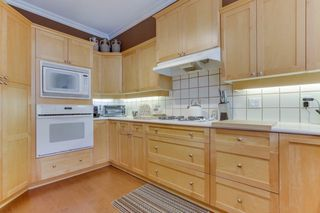 Photo 11: 94 5900 FERRY Road in Delta: Neilsen Grove Townhouse for sale (Ladner)  : MLS®# R2478905