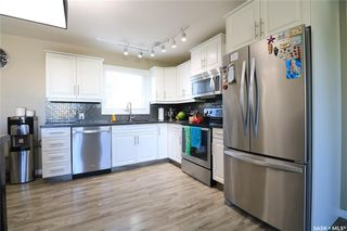 Photo 3: 221 20th Street in Battleford: Residential for sale : MLS®# SK824616