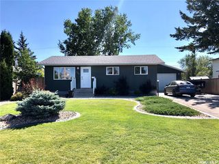 Photo 1: 221 20th Street in Battleford: Residential for sale : MLS®# SK824616