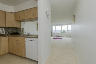 """Photo 11: 604 6055 NELSON Avenue in Burnaby: Forest Glen BS Condo for sale in """"LA MIRAGE II BY BOSA"""" (Burnaby South)  : MLS®# R2520345"""