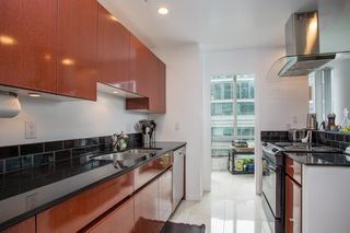 "Photo 6: 2605 1166 MELVILLE Street in Vancouver: Coal Harbour Condo for sale in ""Orca"" (Vancouver West)  : MLS®# R2395535"