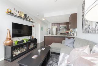 Photo 1: 1109 108 W 1ST AVENUE in Vancouver: False Creek Condo for sale (Vancouver West)  : MLS®# R2391289