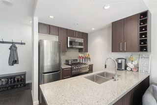 Photo 2: 1109 108 W 1ST AVENUE in Vancouver: False Creek Condo for sale (Vancouver West)  : MLS®# R2391289