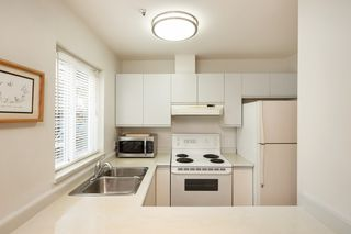 "Photo 6: 101 3 N GARDEN Drive in Vancouver: Hastings Condo for sale in ""GARDEN COURT"" (Vancouver East)  : MLS®# R2407147"
