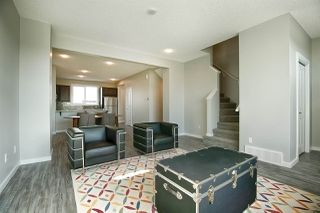 Photo 5: 2625 Maple Way in Edmonton: Zone 30 Attached Home for sale : MLS®# E4184551