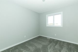Photo 15: 2625 Maple Way in Edmonton: Zone 30 Attached Home for sale : MLS®# E4184551