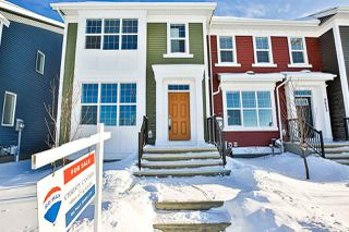 Photo 2: 2625 Maple Way in Edmonton: Zone 30 Attached Home for sale : MLS®# E4184551