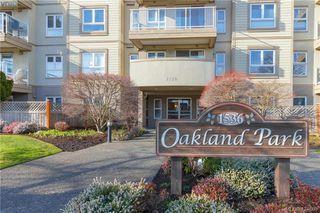 Photo 1: 407 1536 Hillside Ave in VICTORIA: Vi Oaklands Condo for sale (Victoria)  : MLS®# 838706