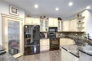 Photo 9: 192 PRESTWICK ESTATE Way SE in Calgary: McKenzie Towne Detached for sale : MLS®# C4306017