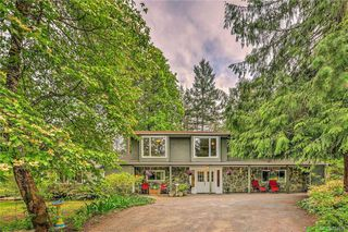 Photo 25: 385 IVOR Rd in Saanich: SW Prospect Lake House for sale (Saanich West)  : MLS®# 833827