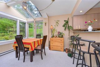 Photo 16: 385 IVOR Rd in Saanich: SW Prospect Lake House for sale (Saanich West)  : MLS®# 833827