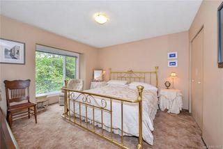 Photo 8: 385 IVOR Rd in Saanich: SW Prospect Lake Single Family Detached for sale (Saanich West)  : MLS®# 833827