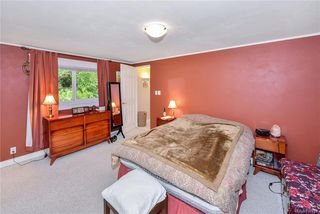 Photo 30: 385 IVOR Rd in Saanich: SW Prospect Lake House for sale (Saanich West)  : MLS®# 833827