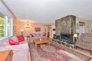 Photo 6: 385 IVOR Rd in Saanich: SW Prospect Lake Single Family Detached for sale (Saanich West)  : MLS®# 833827
