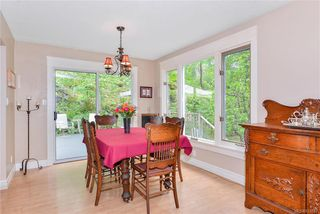 Photo 5: 385 IVOR Rd in Saanich: SW Prospect Lake House for sale (Saanich West)  : MLS®# 833827