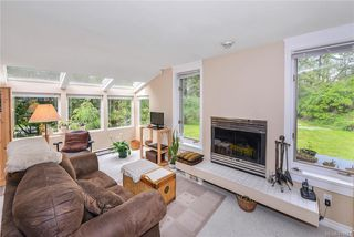 Photo 13: 385 IVOR Rd in Saanich: SW Prospect Lake House for sale (Saanich West)  : MLS®# 833827
