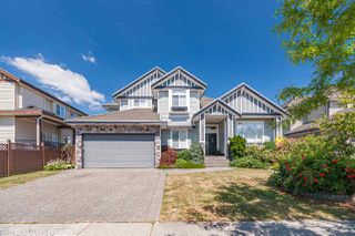 Photo 1: 16671 63 Avenue in Surrey: Cloverdale BC House for sale (Cloverdale)  : MLS®# R2485260