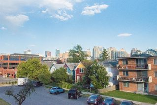 Main Photo: 302 1222 Kensington Close NW in Calgary: Hillhurst Apartment for sale : MLS®# A1056471
