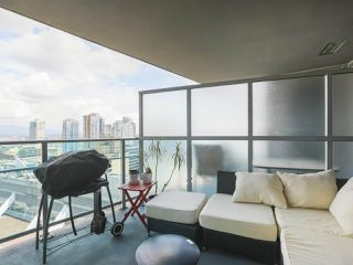 """Photo 17: 2109 788 HAMILTON Street in Vancouver: Downtown VW Condo for sale in """"TV Towers"""" (Vancouver West)  : MLS®# R2390365"""
