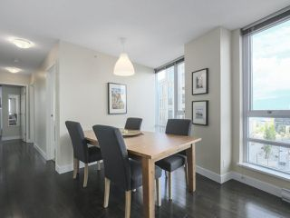 """Photo 7: 2109 788 HAMILTON Street in Vancouver: Downtown VW Condo for sale in """"TV Towers"""" (Vancouver West)  : MLS®# R2390365"""