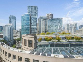 """Photo 16: 2109 788 HAMILTON Street in Vancouver: Downtown VW Condo for sale in """"TV Towers"""" (Vancouver West)  : MLS®# R2390365"""