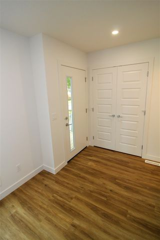 Photo 2: 2 11505 88 Street in Edmonton: Zone 05 House Half Duplex for sale : MLS®# E4164790