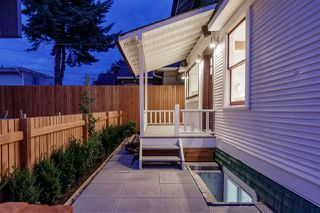 Photo 8: 736 E 3RD Street in North Vancouver: Queensbury House 1/2 Duplex for sale : MLS®# R2399605
