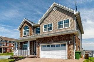 Photo 2: 215 Lindenwood Terrace in Dartmouth: 17-Woodlawn, Portland Estates, Nantucket Residential for sale (Halifax-Dartmouth)  : MLS®# 202008490