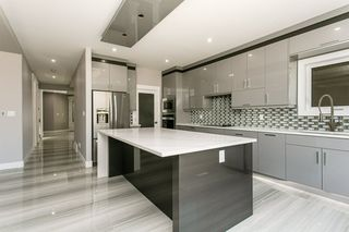 Photo 11: 1812 19 Avenue NW in Edmonton: Zone 30 House for sale : MLS®# E4201161