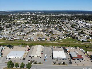 Photo 3: 390 South Industrial Drive in Prince Albert: South Industrial Commercial for sale : MLS®# SK821264