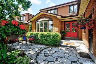 Photo 2: 174 Waratah Avenue in Newmarket: Huron Heights-Leslie Valley House (2-Storey) for sale : MLS®# N4527320