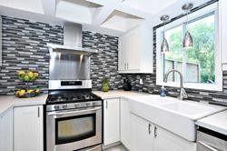 Photo 7: 174 Waratah Avenue in Newmarket: Huron Heights-Leslie Valley House (2-Storey) for sale : MLS®# N4527320
