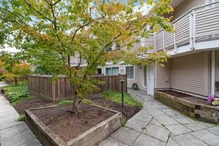 Main Photo: 7 7901 13TH Avenue in Burnaby: East Burnaby Townhouse for sale (Burnaby East)  : MLS®# R2401181