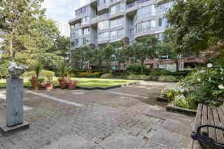 Photo 3: 314 518 MOBERLY ROAD in Vancouver: False Creek Condo for sale (Vancouver West)  : MLS®# R2404067