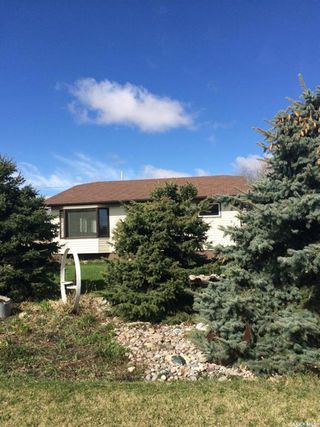 Photo 2: 625 Donald Street in Hudson Bay: Residential for sale : MLS®# SK799033