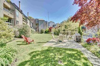 "Photo 6: 417 1500 PENDRELL Street in Vancouver: West End VW Condo for sale in ""Pendrell Mews"" (Vancouver West)  : MLS®# R2392632"