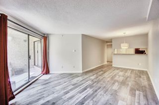 "Photo 3: 417 1500 PENDRELL Street in Vancouver: West End VW Condo for sale in ""Pendrell Mews"" (Vancouver West)  : MLS®# R2392632"